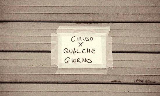 chiuso-crisi-ferie_(FredericArgazzi_9294304886@flickr_CC_BY-NC-SA)