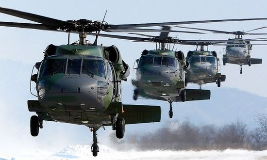 sikorsky-blackhawk-uh-60_(leonelyanez 6844186629)