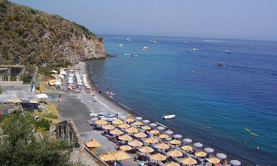 spiaggia-mare_(giuseppe1000_1238255307@flickr_CC)