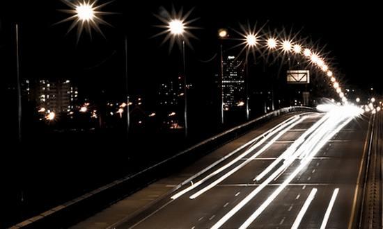strade-traffico_(burgtender_4052169876@flickr)