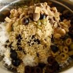Rýžový salát s černou rýží, tuňákem a quinoou