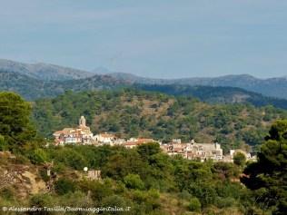 Vista di Lingueglietta nella Valle del San Lorenzo