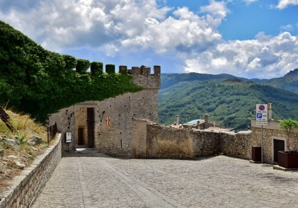 Entrata Castello di Montalbano Elicona