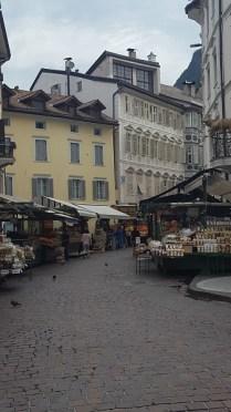 Bolzano mercato di via goethe