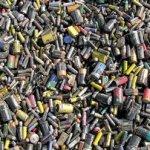"""Atık pilleri çöpe değil """"toplama noktalarına"""" atalım"""