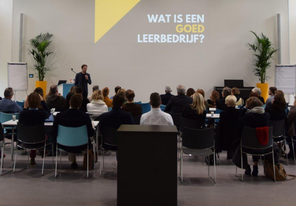 Maarten Brand geeft een lezing stagebegeleiding