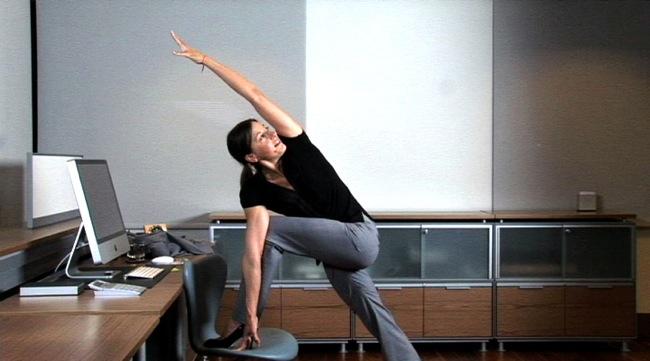 """Résultat de recherche d'images pour """"exercices Pompes au bureau"""""""
