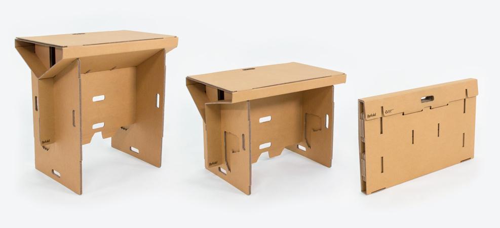 bien qu il s agisse d un bureau debout il est tout a fait possible de l utiliser assis cela permettra de faciliter la transition dans la mesure ou il faut