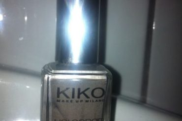 NOTD: KIKO Hologramm Nail Lacquer – Infinite Taupe