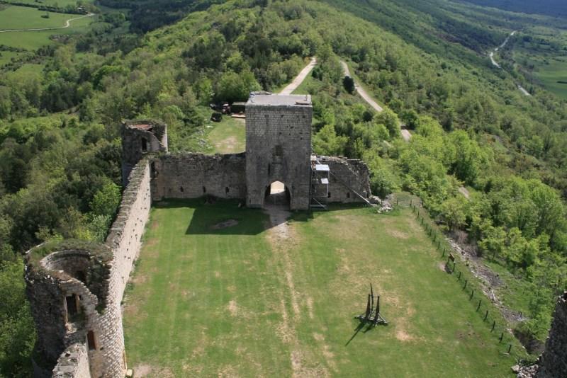 Chateau Puivert Burg Neun Pforten Polanski Katharer Frankreich