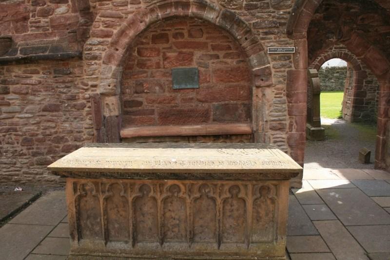Jamie Claire, Beauly Priory, Abtei Diana Gabaldon, Feuer und Stein, Outlander