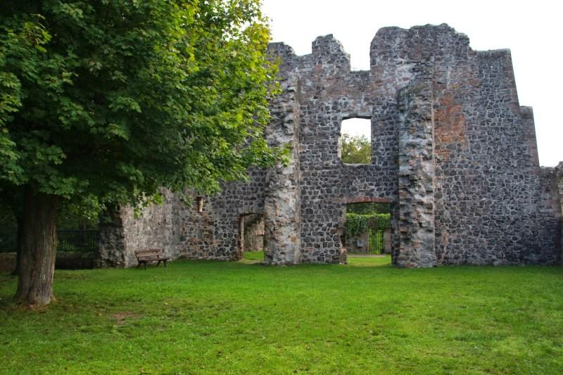 Burg_Staufenberg13