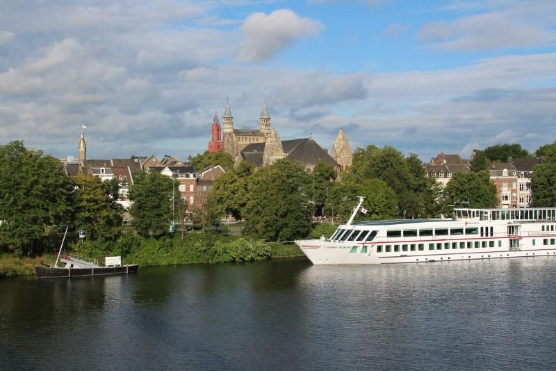 Maastricht Maas Schiff