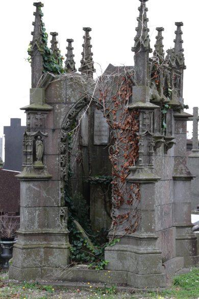 brest-friedhof-verfallenes-mausoleum-8