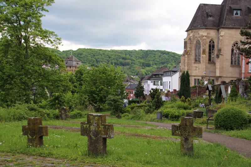 Alter Friedhof am Rhein