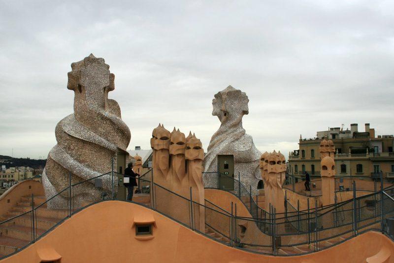 Phantasievolle Häuser von Antoni Gaudi