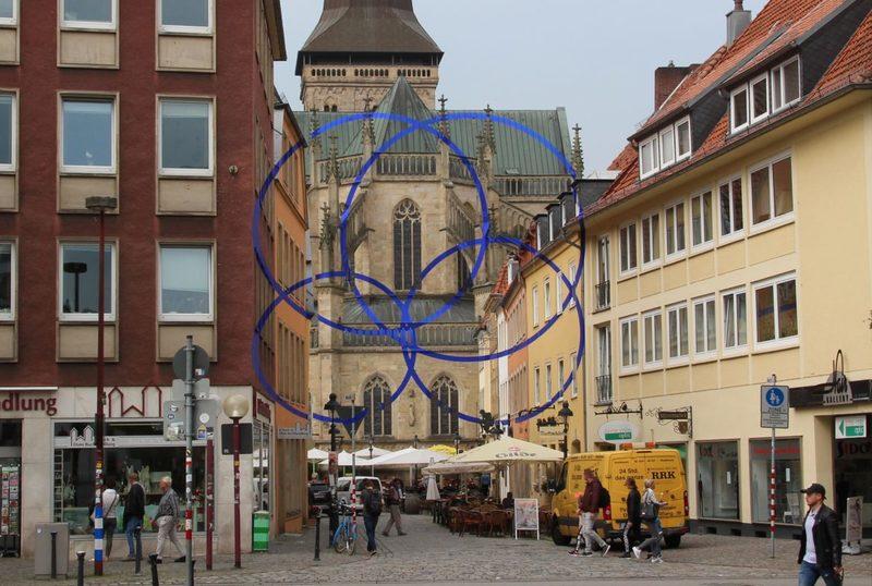 Blaue Kreise auf der Marienkirche Osnabrück