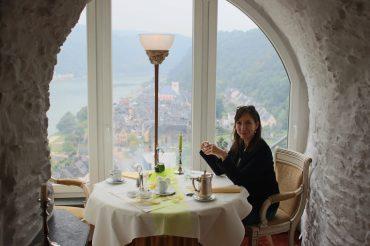 """Schlosshotel Rheinfels – Dinner im Schloss-Restaurant """"Auf Scharffeneck"""""""