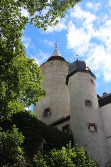 Burg Posterstein, Burg der Gräfin von Kurland, Burg in Thüringen, Burg in Sachsen