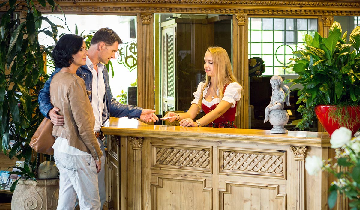 Contact And Online Inquiry Burg Hotel Oberlech