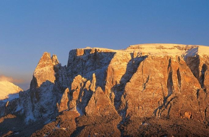 Einer der meist fotografierten Berge Südtirols ist der Schlern. Abends