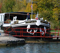 C'est La Vie hotel barge