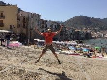 Cefalu - One-take - the belly-button shot!