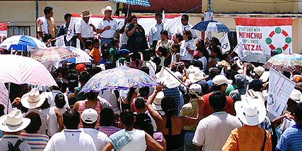 rigoberto menchu campaigning in poptun