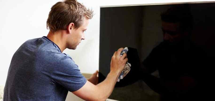 Nettoyer l'écran de la télévision