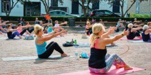 Yoga in civic sq