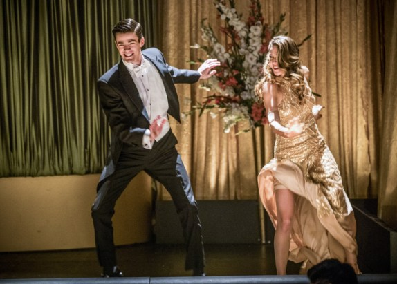 """The Flash -- """"Duet"""" -- FLA317b_1080b.jpg -- Pictured (L-R): Grant Gustin as Barry Allen and Melissa Benoist as Kara -- Photo: Jack Rowand/The CW -- © 2017 The CW Network, LLC. All rights reserved."""