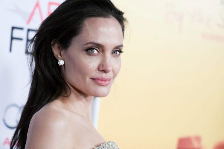 """""""The One And Only Ivan"""", novo filme da Disney, será produzido e dublado por Angelina Jolie 16"""