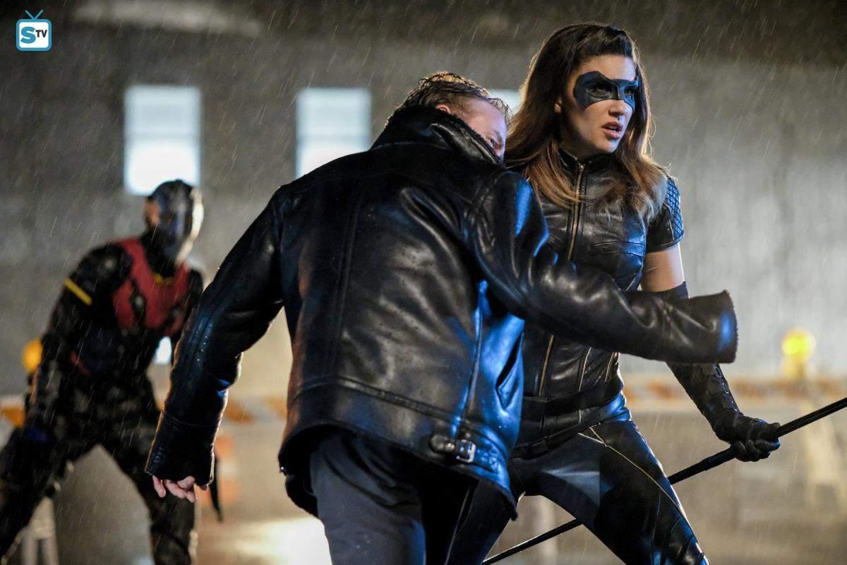 Arrow 6° Temporada   Crítica da Série 18