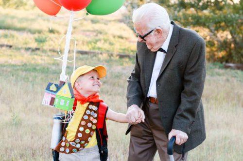 """Bisavós de 90 anos se vestem de """"Up"""" para aniversário do neto e viralizam 22"""