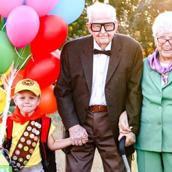 """Bisavós de 90 anos se vestem de """"Up"""" para aniversário do neto e viralizam 37"""