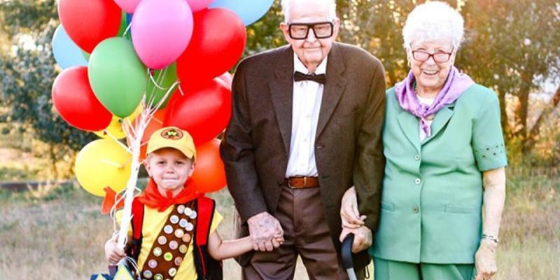 """Bisavós de 90 anos se vestem de """"Up"""" para aniversário do neto e viralizam 20"""