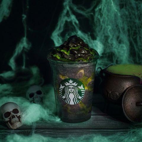 """Phantom Frappuccino"": a bebida gótica da Starbucks para o Halloween 17"