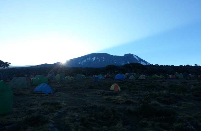Routen Kilimandscharo Sonnenaufgang Shira Plateau