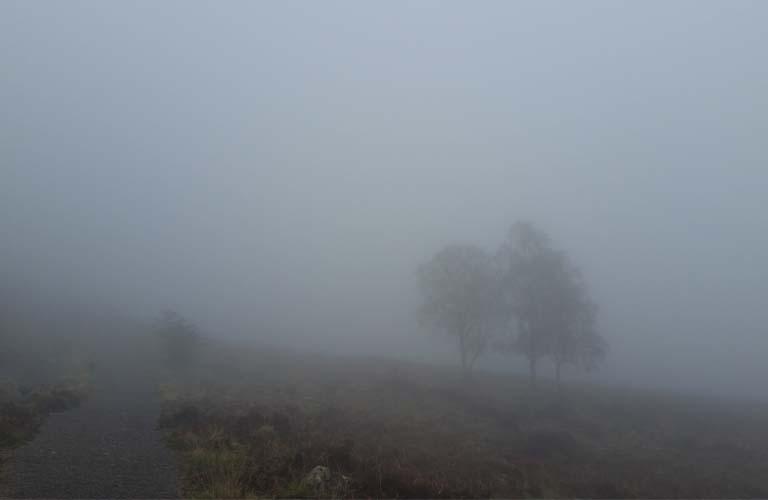 Great Glen Way Fort Augustus Wandern im Regen und Nebel