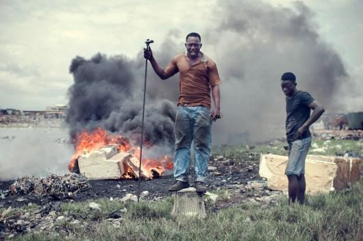 14_agbogbloshie_kevin_mcelvaney_derkevin.com_e-waste_burnmagazine