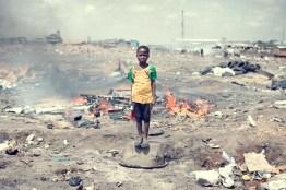 15_agbogbloshie_kevin_mcelvaney_derkevin.com_e-waste_burnmagazine