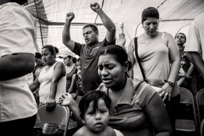 Meeting the residents of the colony Los carmenes in connection with violence in San Pedro Sula, Honduras in August 2014
