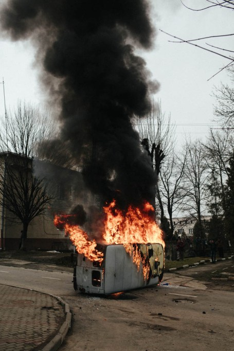 A burning Security Service of Ukraine vehicle, Kalush, February 2014