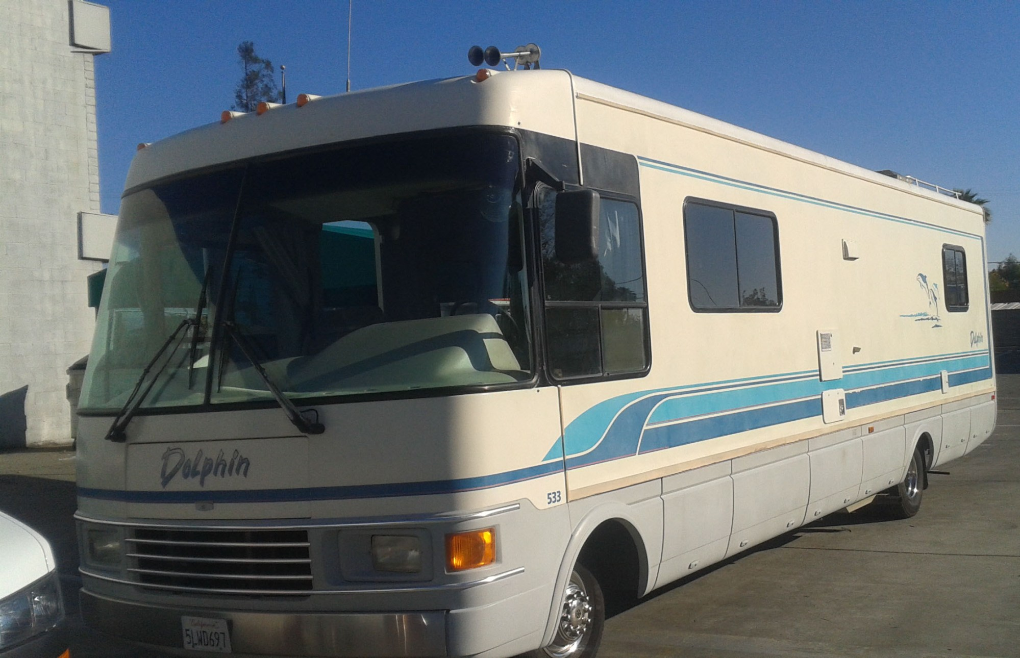 hight resolution of 1995 national dolphin m533 34 ft completely upgraded nice burn machine