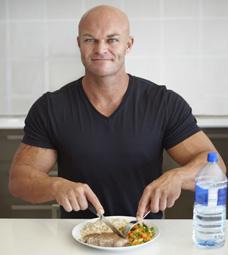 bodybuilder eating