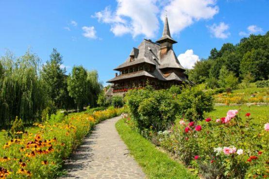 Resultado de imagen para Temerile legate de Coronavirus vor crește turismul intern și prețul sejururilor în România