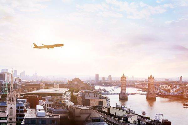 ÎN VARA ANULUI 2021 Vola.ro a înregistrat o creştere cu 218% a vânzărilor de bilete de avion - 10.09.2021 | BURSA.RO
