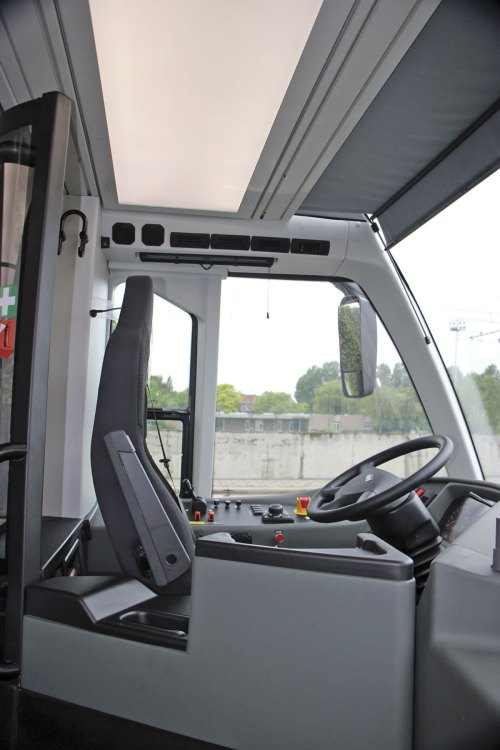 small resolution of van hool exqui city cab