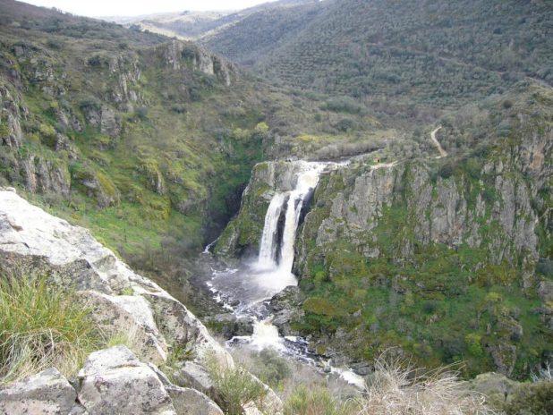 El Pozo de los Humos. Cascadas más bonitas de España