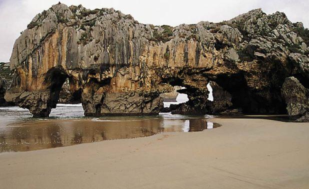 Playa Cuevas el Mar
